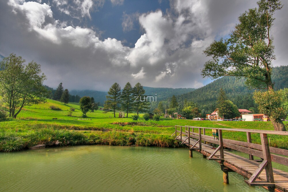 Green hills by zumi
