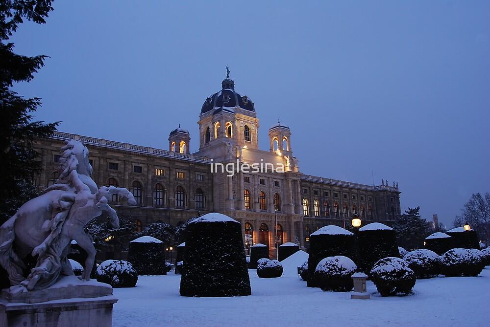 Kunsthistorisches Museum at Maria-Theresa-Square, Vienna by inglesina