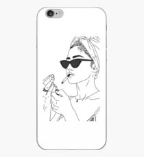Vinilo o funda para iPhone Chica fumando