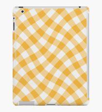 Wibbly wobbly yellow gingham iPad Case/Skin