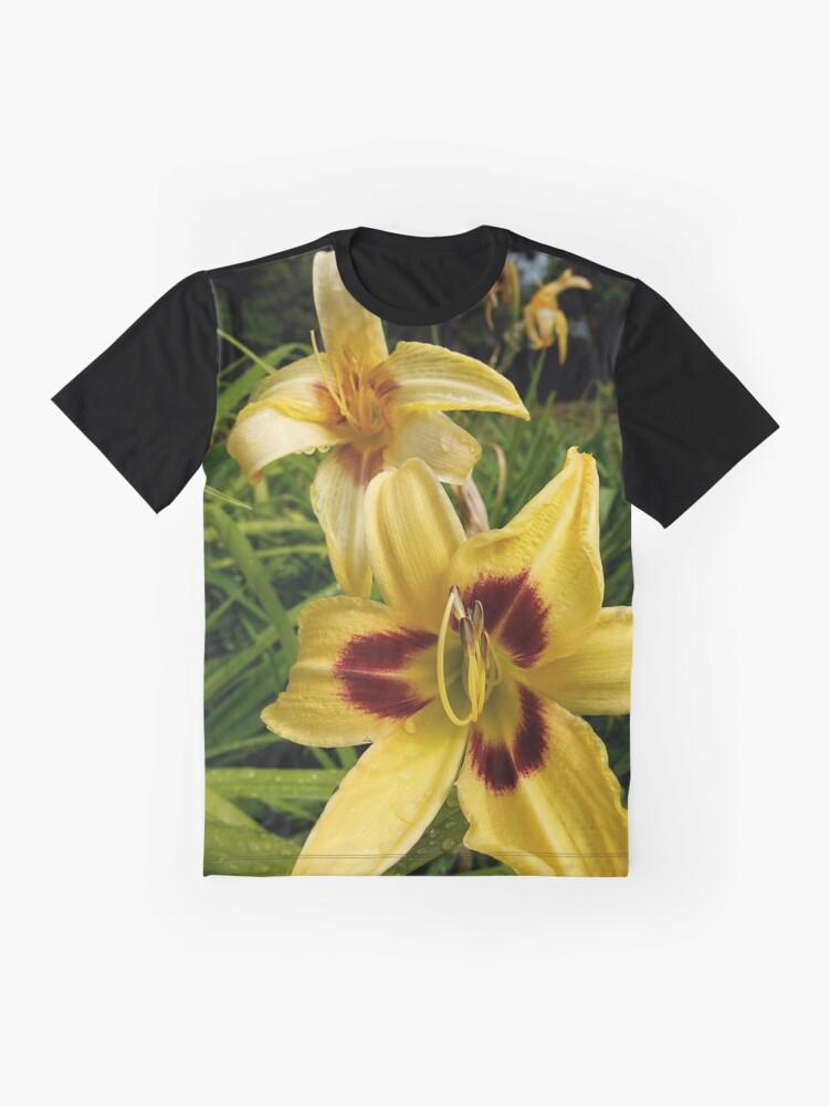 Alternate view of Yellow Daylily from the Gardens at Lake Merritt Graphic T-Shirt