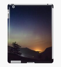 Aurora over Glengesh, Donegal iPad Case/Skin