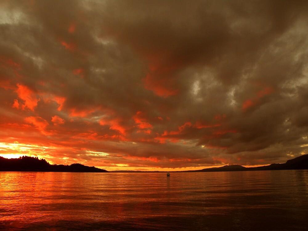 Atardecer en el Lago... by cieloverde