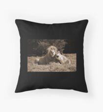 Lion Love Bodenkissen