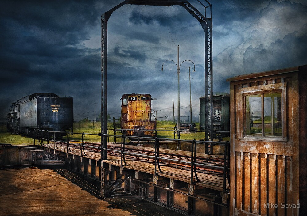 Train - On the turntable by Michael Savad