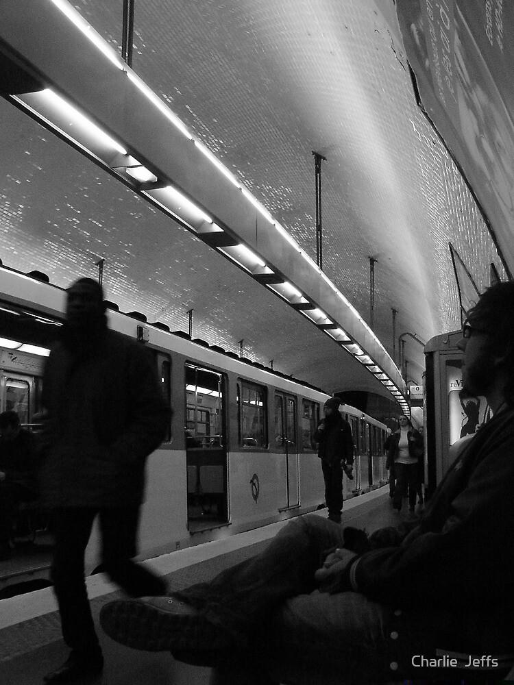 Metro de Paris by Charlie  Jeffs