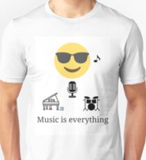Music is everthing Slim Fit T-Shirt