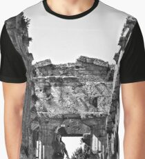 Girl photographs a temple of Paestum Graphic T-Shirt