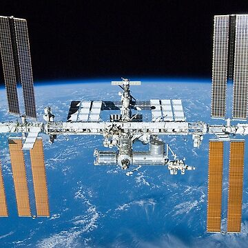 ISS, International Space Station by TOMSREDBUBBLE