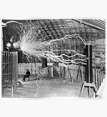 Nikola Tesla mit seiner Ausrüstung (17. Juni 1901) Poster
