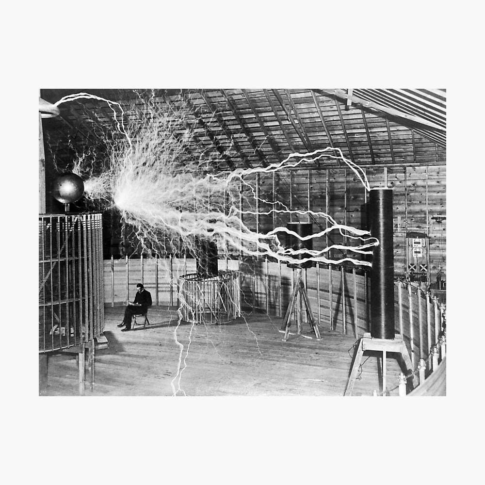 Nikola Tesla mit seiner Ausrüstung (17. Juni 1901) Fotodruck
