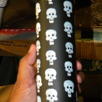 #6 spray can skulls by EDLFDESIGNS