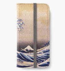 Die große Welle vor Kanagawa von Katsushika Hokusai (um 1830-1833) iPhone Flip-Case/Hülle/Skin