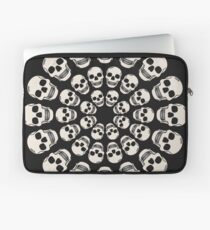 Circle Skulls - Dark Laptop Sleeve