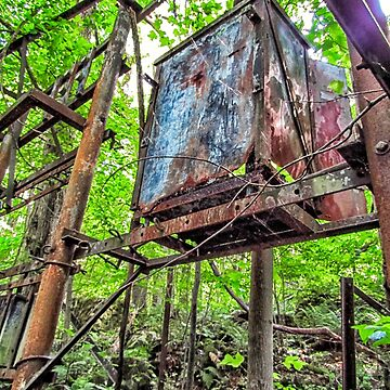 Rusted Out Box  by PaulLu