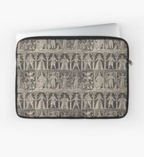 Vintage pattern with kings, queens and other characters Laptop Sleeve