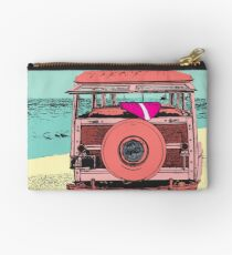 Woody at the Beach - 1 Studio Pouch