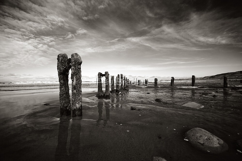 High tide at Sandsend by PaulBradley