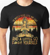 Camiseta unisex Mujeres tatuadas de yoga - Soy sobre todo amor por la paz y la luz