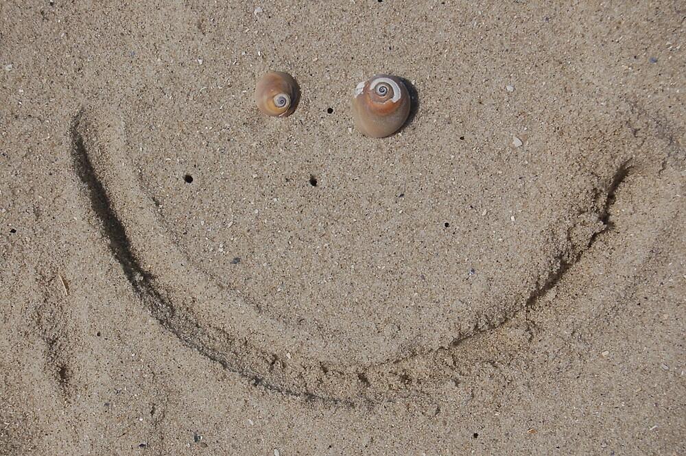 Beachy Smile by Littlehalfwings