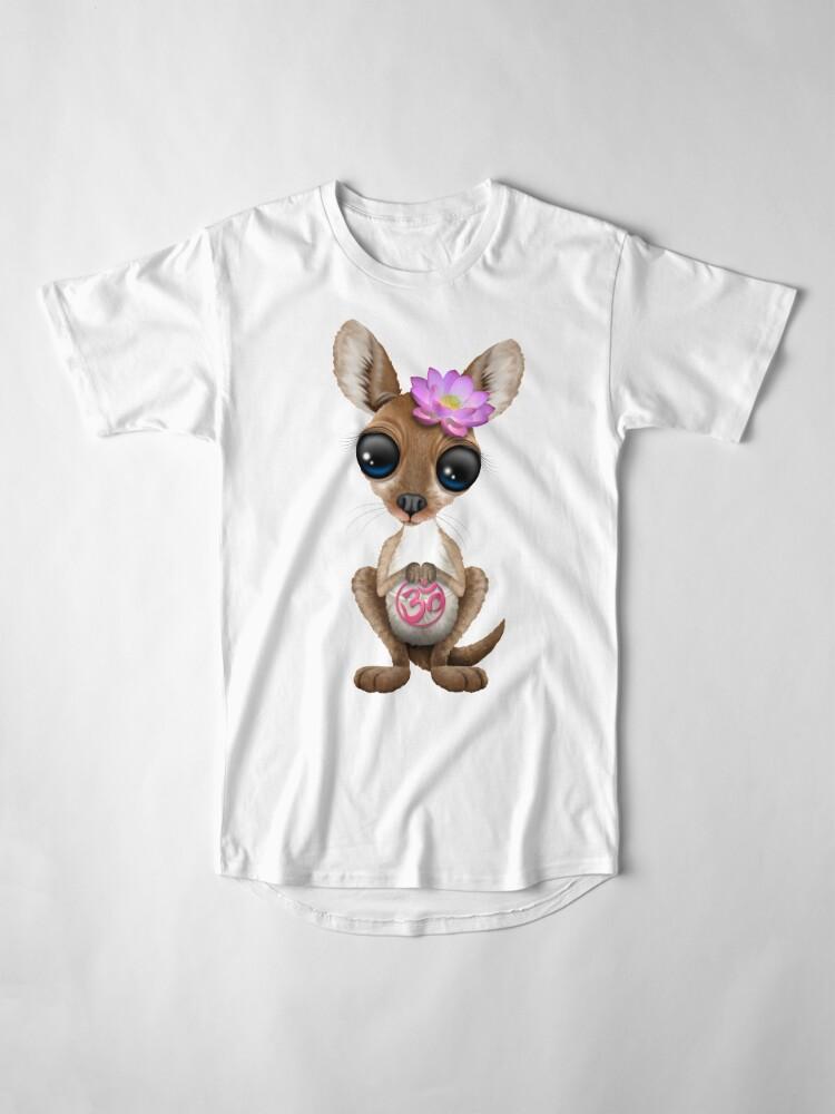 Alternative Ansicht von Zen-Baby-Känguru mit rosa Yoga Om-Symbol Longshirt
