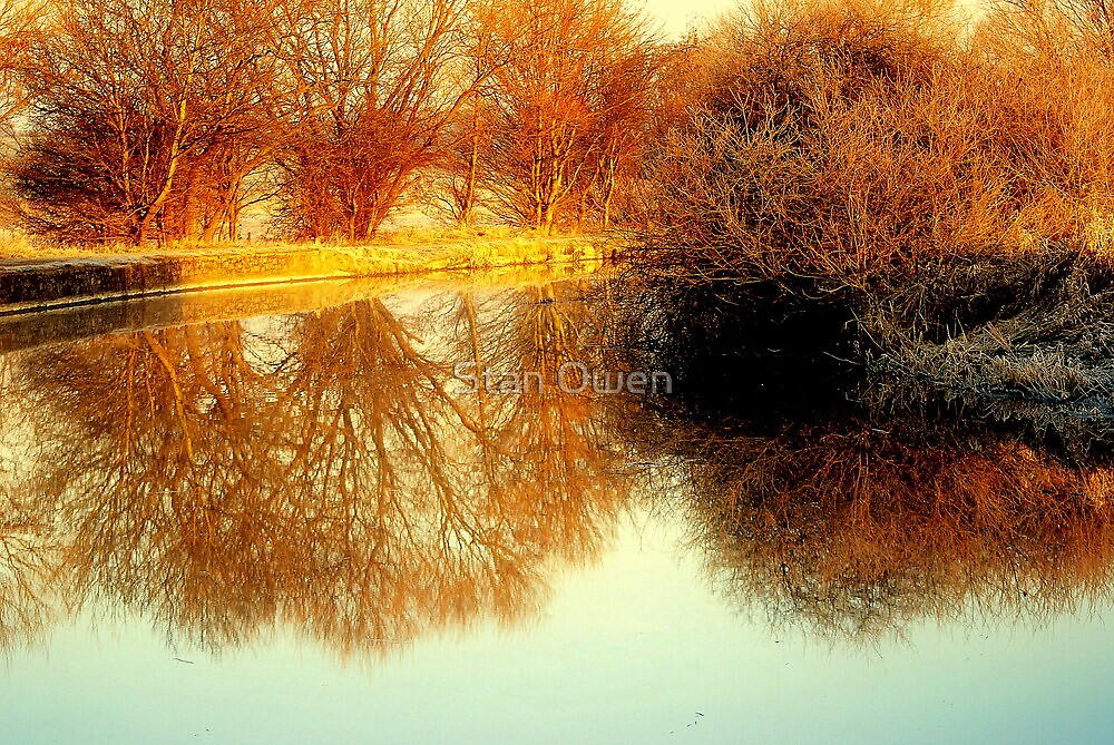 Reflecting Dawns Light by Stan Owen
