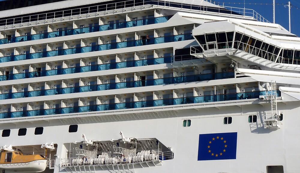 Cruise Liner, Port of Barcelona by artfulvistas