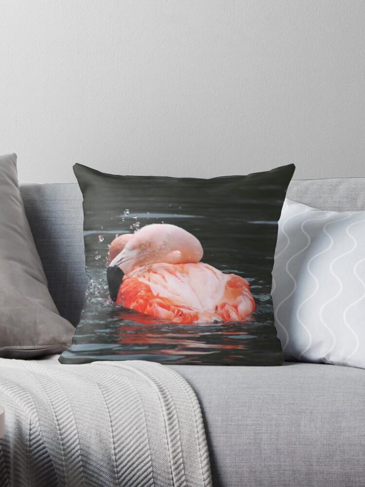 Flamingo bath by chihuahuashower
