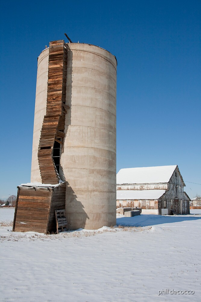 Rickety Silo by phil decocco