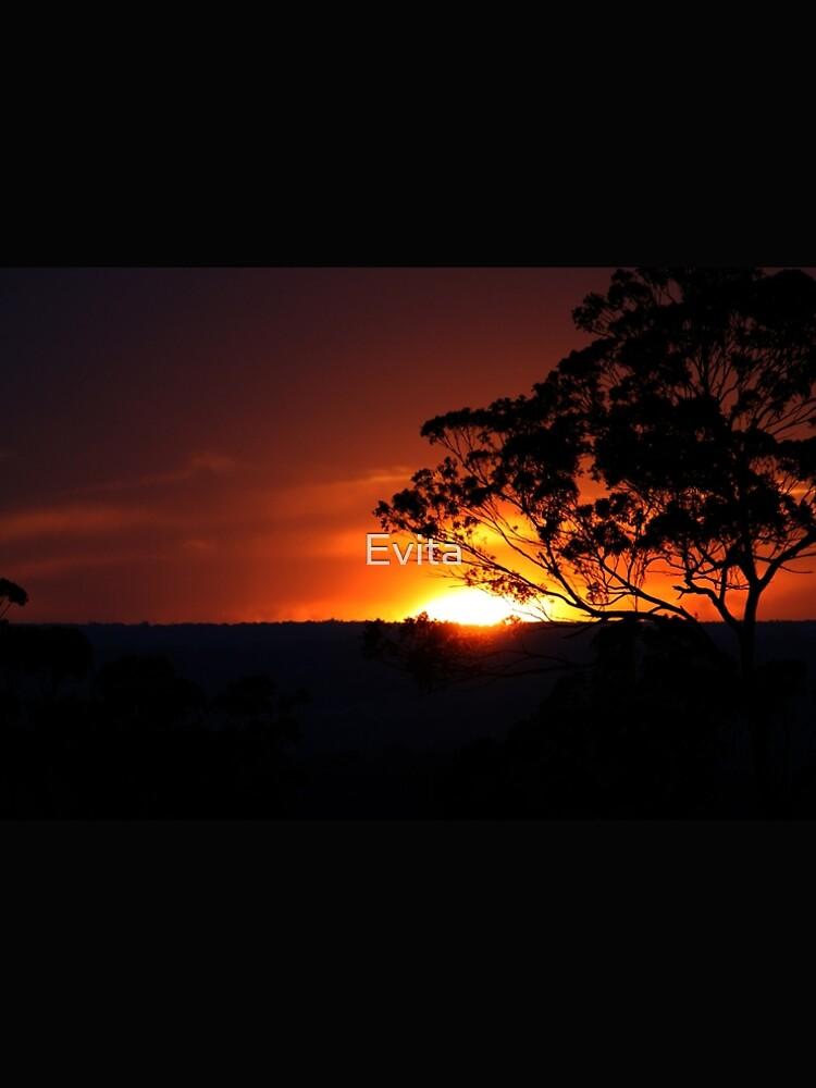 Hügels Sonnenuntergang von Evita