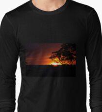 Hügels Sonnenuntergang Langarmshirt