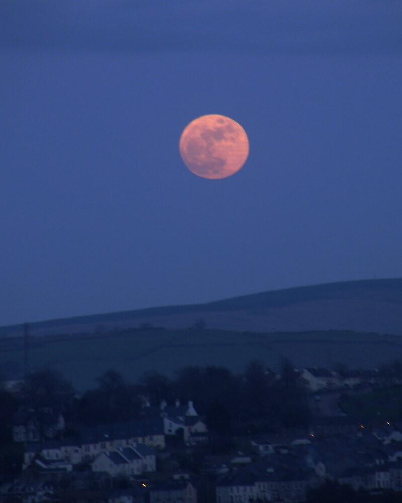red moon ireland - photo #3