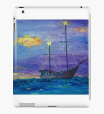 Single Boat On Moonlit Waters iPad-Hülle & Klebefolie