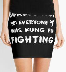 Sicherlich nicht jeder kämpfte Kung Fu Minirock