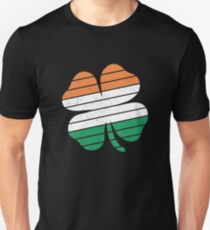 Funny St Patricks Day Vintage Retro Clover Unisex T-Shirt