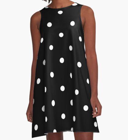 Polka Dots - Black and White Vestido acampanado
