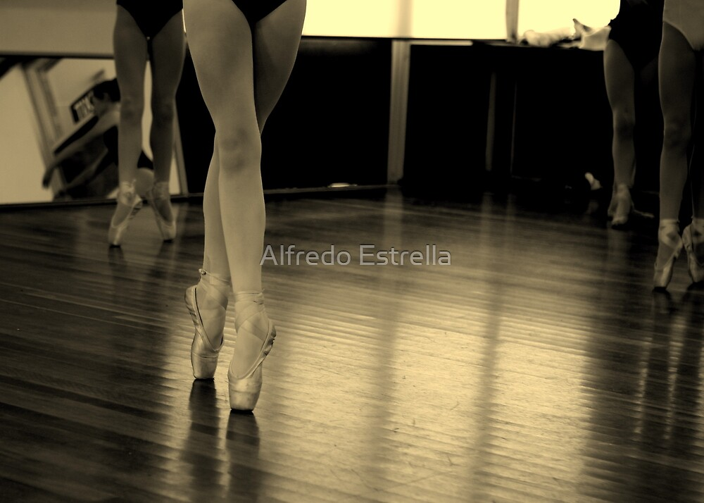 Balance by Alfredo Estrella