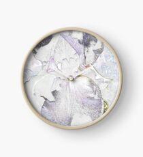 invert iris Clock