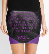 Minifalda Citas de: Albert Einstein sobre educación: póster, camiseta, adhesivo y regalos