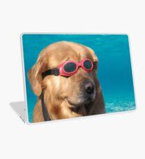 Vinilo para portátil Perro nadador