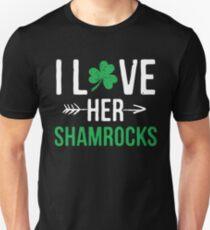 I Love Her Shamrocks - St Patrick's Day Couples Gifts Unisex T-Shirt