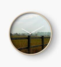 Über dem Zaun - Burnham on Crouch Uhr