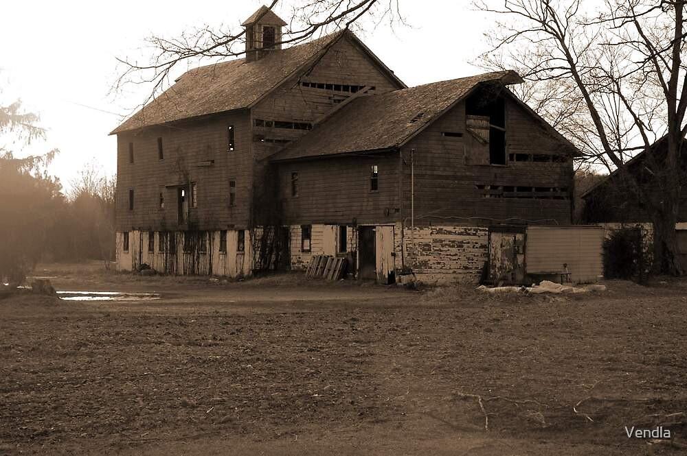 Barn back East by Vendla
