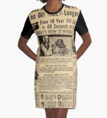 VINTAGE NEWSPRINT AD T-Shirt Kleid