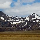 Icelandic Mountain Flow by Matthias Keysermann