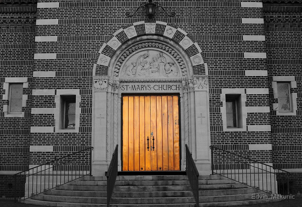 Golden Gate - St. Marys Church by Edvin  Milkunic