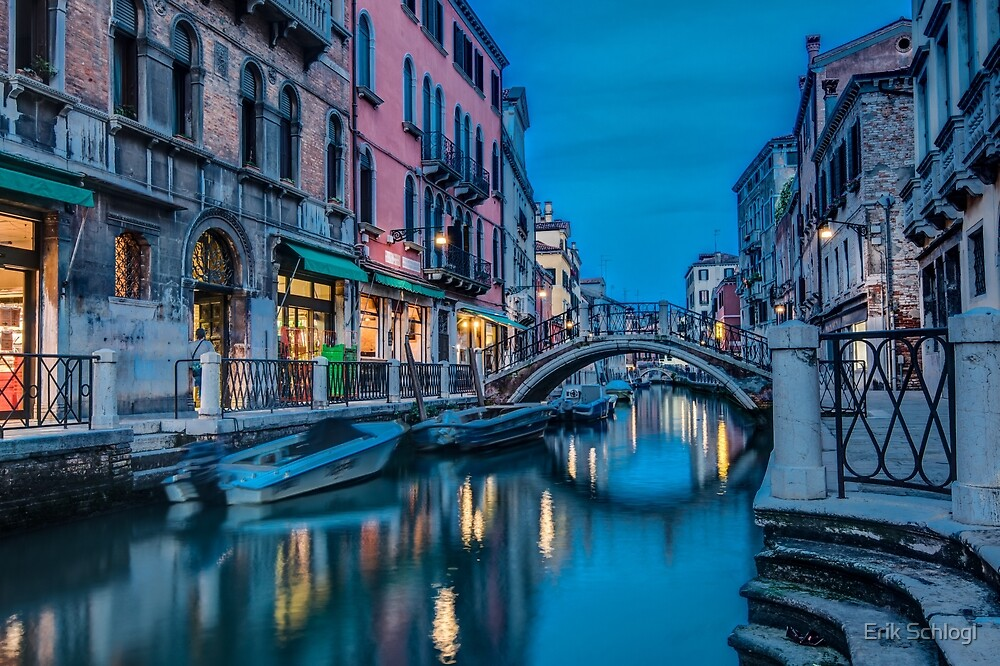 After the sun has set in Venice by Erik Schlogl