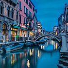 Nachdem die Sonne in Venedig untergegangen ist von Erik Schlogl