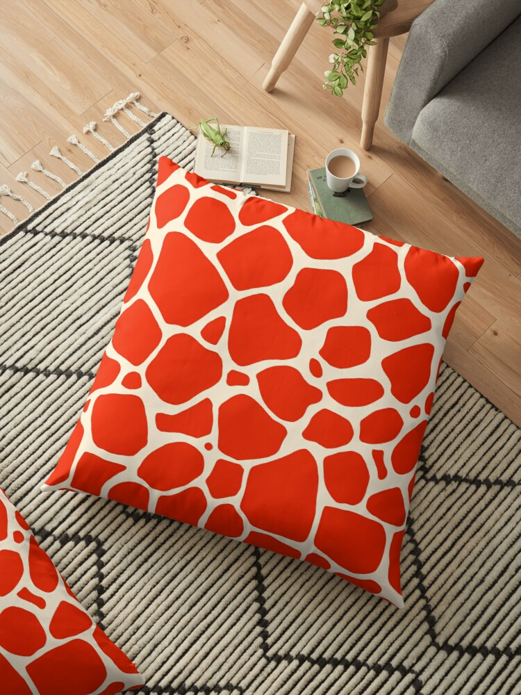 c468e5591734 Giraffe Animal Print    Red and Cream