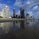 Surfers Paradise, Gold Coast, Queensland, Australien von Ralph de Zilva